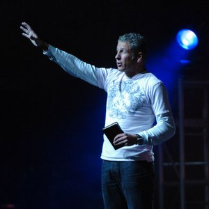 Image for 'Louie Giglio'