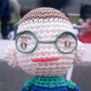 Imagen de 'A boy with glasses'