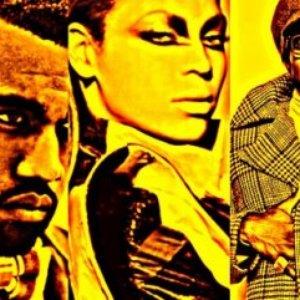 Imagem de 'Beyonce feat. Andre 3000 & Kanye West'