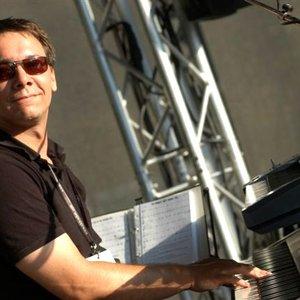 "Image pour 'John ""Piano"" Heart'"