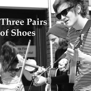 Bild för 'Three Pairs of Shoes'