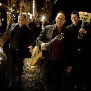 Bild för 'The Rosenberg Trio'