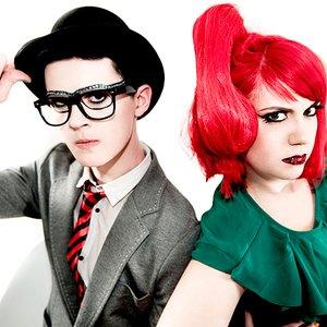Bild för 'Frisky & Mannish'