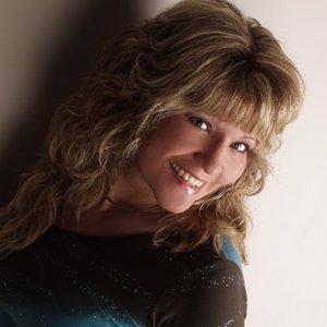 Image for 'Michelle Nixon'