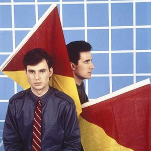 Bild för 'Orchestral Manoeuvres in the Dark'