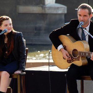 Image for 'Abigail Breslin and Alessandro Nivola'