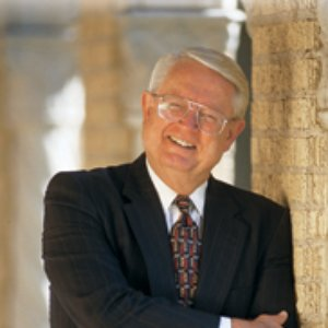 Image for 'Chuck Swindoll'