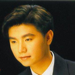 Bild für '黃翊'