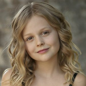 Image for 'Emily Alyn Lind'
