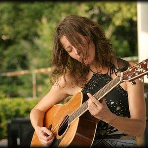 Bild für 'Danielle Howle'
