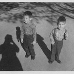Bild för 'Brothers Unconnected'