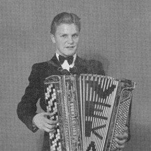 Image for 'Veikko Ahvenainen'