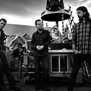 Immagine per 'Them Crooked Vultures'
