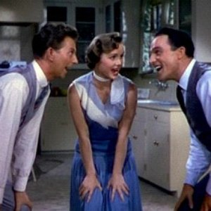 Imagem de 'Gene Kelly, Debbie Reynolds & Donald O'Connor'