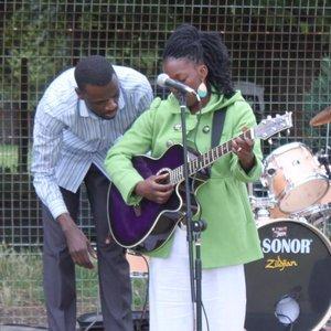 Imagem de 'Living Water Worship Band'