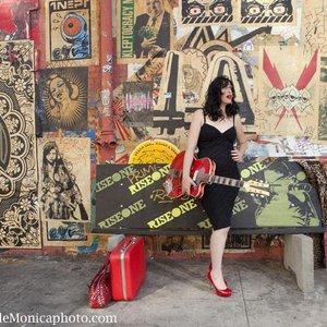 Image pour 'Elena Siegman'