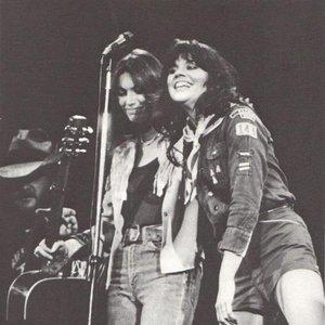 Image for 'Linda Ronstadt & Emmylou Harris'