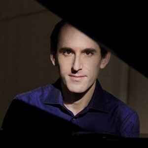 Bild für 'Danny Driver, piano'