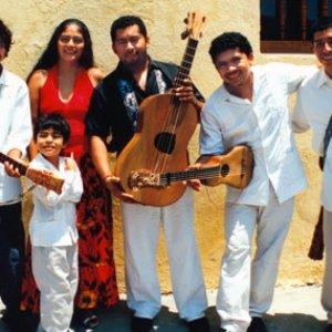 Bild för 'Los Cojolites'