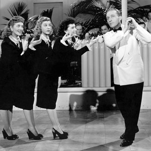 Image for 'Andrews Sisters & Bing Crosby'