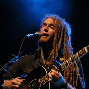 Image for 'Newton Faulkner'