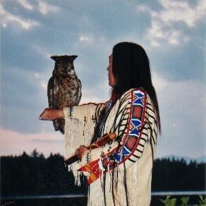 Imagem de 'Stephen Standing Owl'