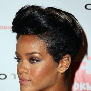 Imagem de 'Kanye West ft. Kid Cudi, Rihanna, Fergie, Alicia Keys, The Dream'