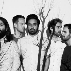 Imagem de 'Young the Giant'