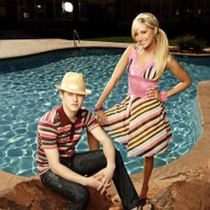 Image for 'Ashley Tisdale & Lucas Grabeel'